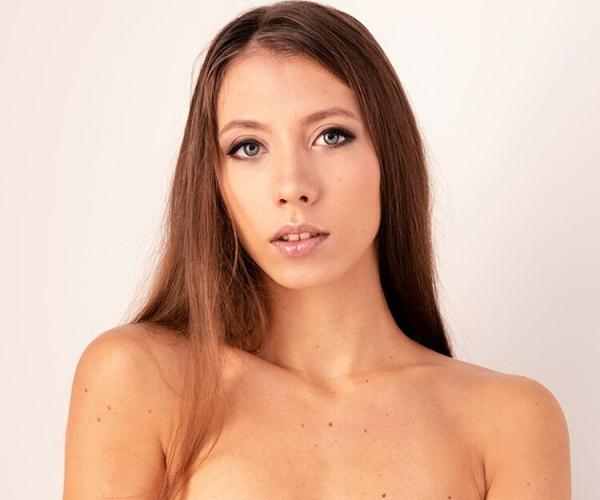 VirtualRealPorn: Stefanie Moon - Sweet ass (UltraHD/4K) - 2020