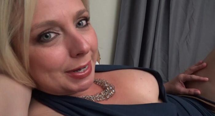 Brianna Beach - Mother, Son's Late Night Confessions (FullHD 1080p) - Mom Comes First/Clips4Sale - [2020]
