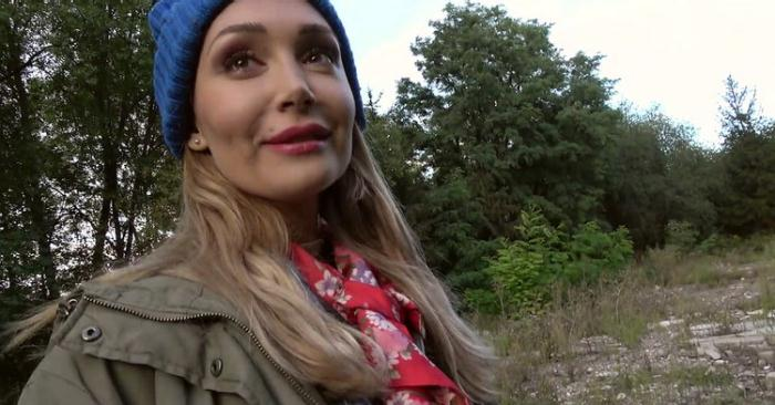 Lola Bambola - Lost dog leads to hot outdoors sex (FullHD 1080p) - PublicAgent/FakeHub - [2020]