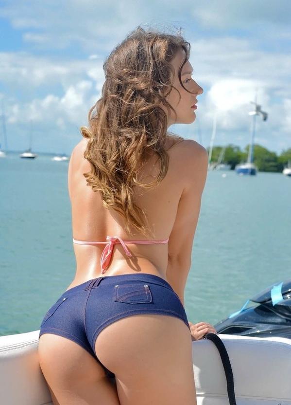 CaptainsTabbin/RealityKings: Callie Calypso - Deep sea dick (SD) - 2020