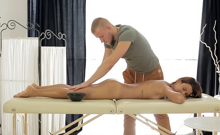 Mary Dee aka Grace C - Pussy massage gets the sexy girl dripping [HDMassagePorn/WTFPass] 2020
