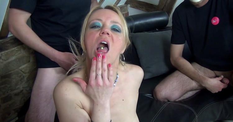 JacquieetMichelTV/Indecentes-Voisines: Loly le pornotour made in belgium [FullHD 1080p]
