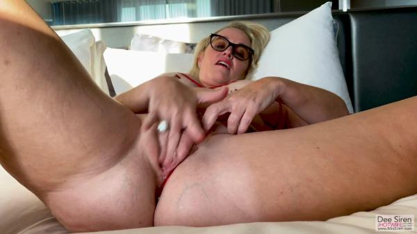Mrs  Siren – Sucking Dick In Vegas Condo