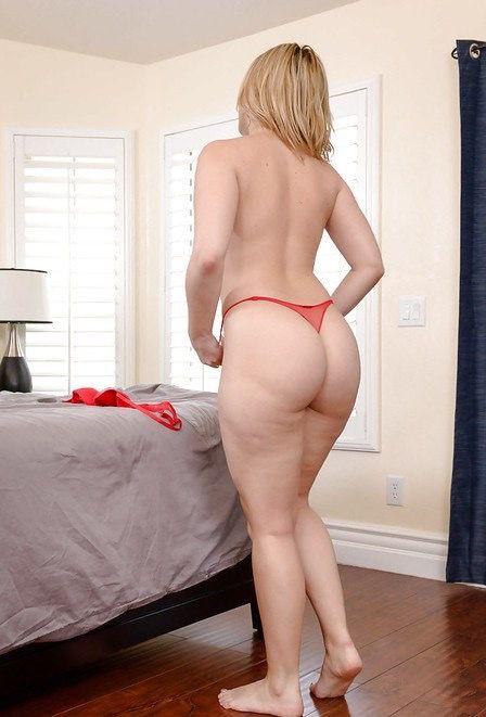 Housewife1on1/NaughtyAmerica: Alexis Texas 21089 [HD 720p]