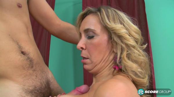 Porn Mega Load – Sophia Jewel Sport Sex With A Thick MILF