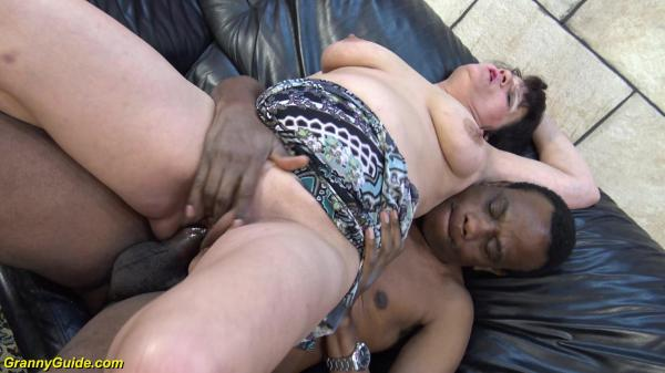 Granny Guide Mature Pussy Gets Black Cock