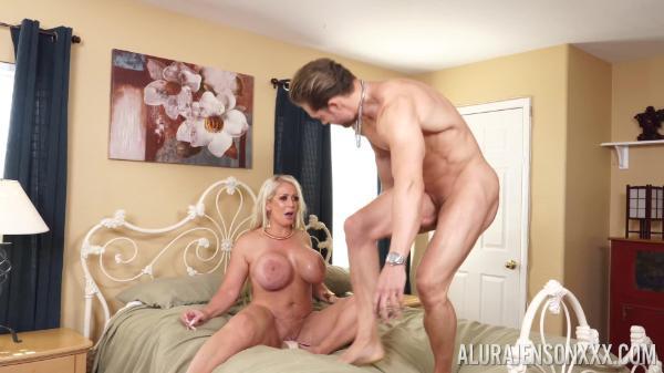 Pornstar Platinum – Alura Jenson Fucked By Super Hunk  2160p
